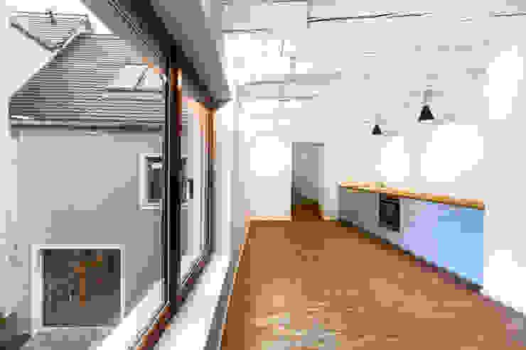 saniertes Stadthaus Taucha - Packbauer Architektur Moderne Veranstaltungsorte von Bertram Bölkow Fotodesign Modern