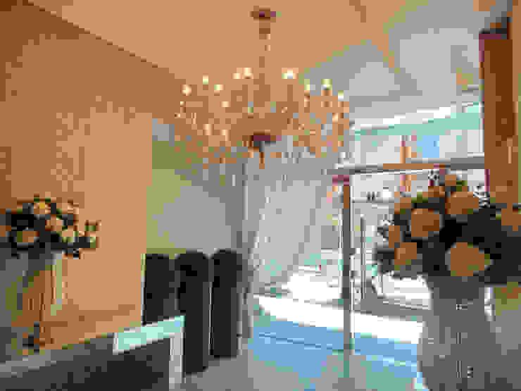 Hall de Entrada Corredores, halls e escadas clássicos por Gabriela Herde Arquitetura & Design Clássico