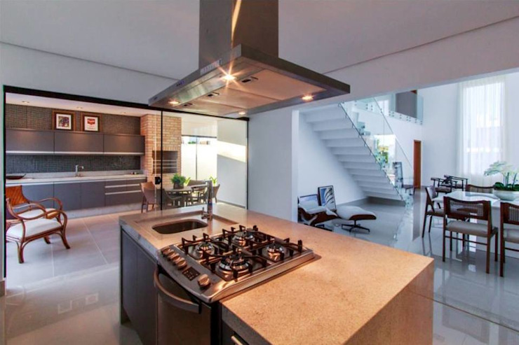 Cozinha espaçosa e integrada Cocinas de estilo minimalista de Tony Santos Arquitetura Minimalista