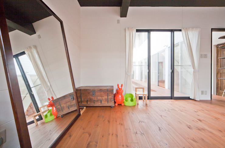 建築家の元自邸をリノベーションでさらに快適な空間に! モダンデザインの 子供部屋 の 株式会社リボーンキューブ モダン