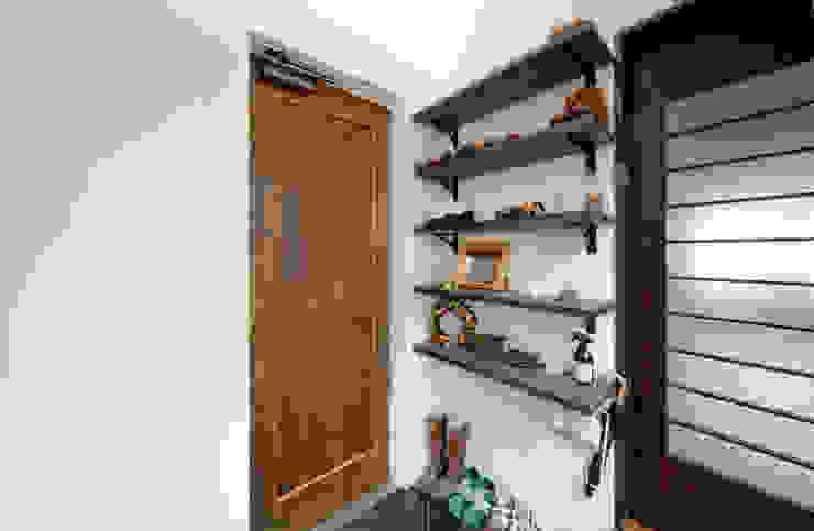 建築家の元自邸をリノベーションでさらに快適な空間に! モダンな 窓&ドア の 株式会社リボーンキューブ モダン