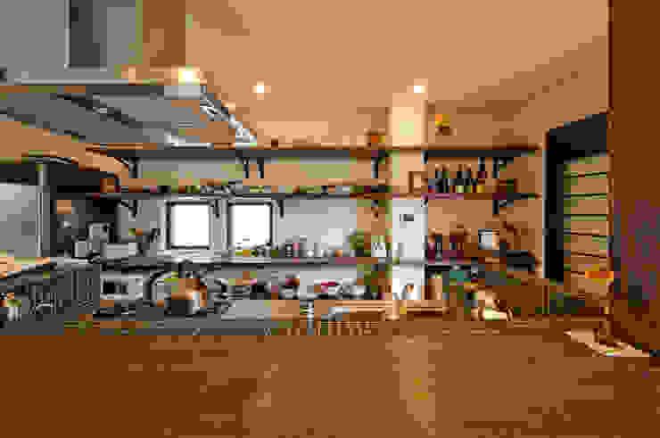 建築家の元自邸をリノベーションでさらに快適な空間に! 株式会社リボーンキューブ モダンな キッチン
