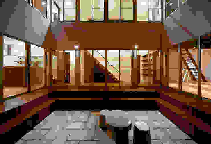 建築家の元自邸をリノベーションでさらに快適な空間に! モダンな庭 の 株式会社リボーンキューブ モダン