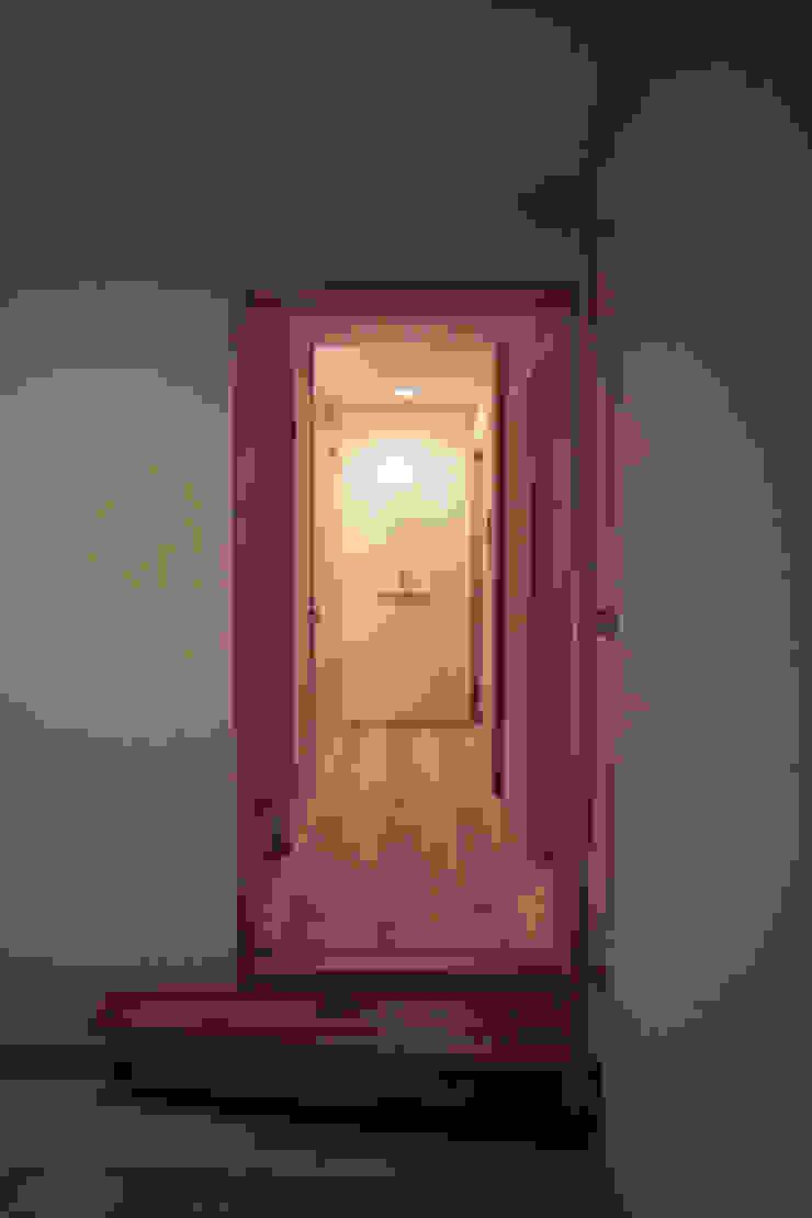 玄関2 オリジナルスタイルの 玄関&廊下&階段 の 「有」ひなたの場所 建築設計事務所 オリジナル