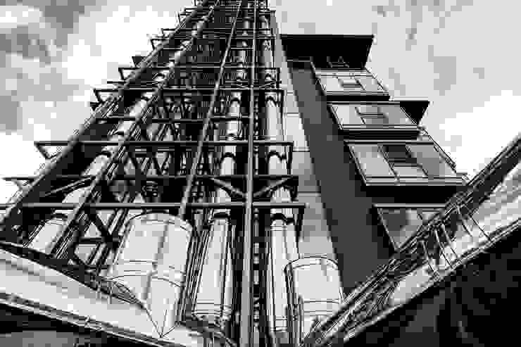 Diadema Club House Дома в классическом стиле от Belimov-Gushchin Andrey Классический
