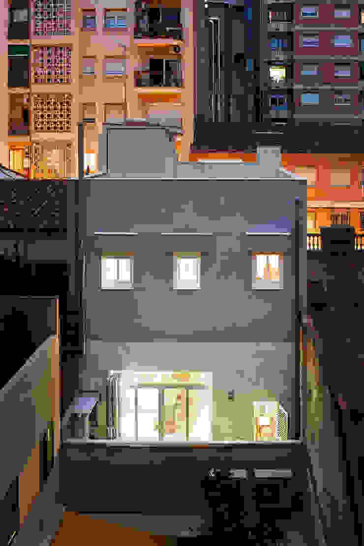 Fachada posterior Casas de estilo mediterráneo de GPA Gestión de Proyectos Arquitectónicos ]gpa[® Mediterráneo