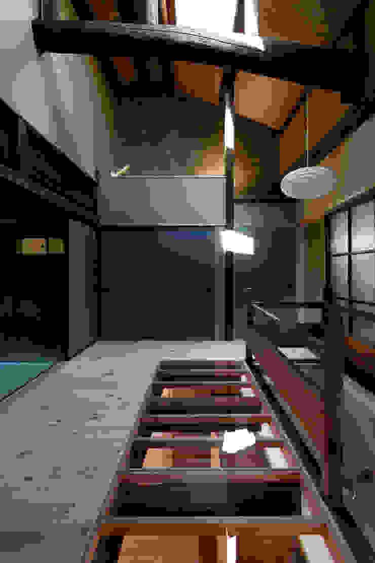 階段ホール クラシカルスタイルの 玄関&廊下&階段 の アトリエ・ブリコラージュ一級建築士事務所 クラシック