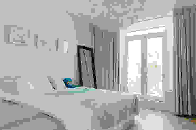 PROYECTO DE INTERIORISMO EN LA HAYA, HOLANDA Dormitorios de estilo escandinavo de A54Insitu Escandinavo