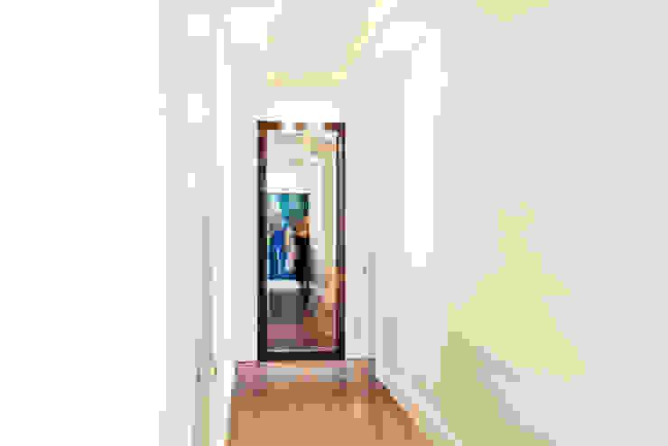 dziurdziaprojekt Modern Corridor, Hallway and Staircase