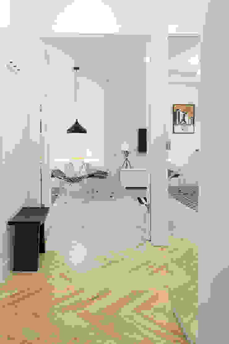 Koridor & Tangga Gaya Skandinavia Oleh dziurdziaprojekt Skandinavia