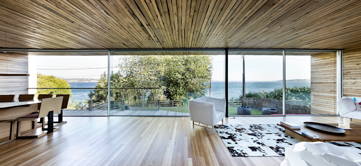 dezanove house designed by iñaki leite - panoramic view of the waterfront Inaki Leite Design Ltd. Salon moderne