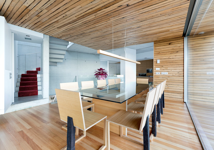 dezanove house designed by iñaki leite - dining de Inaki Leite Design Ltd. Moderno