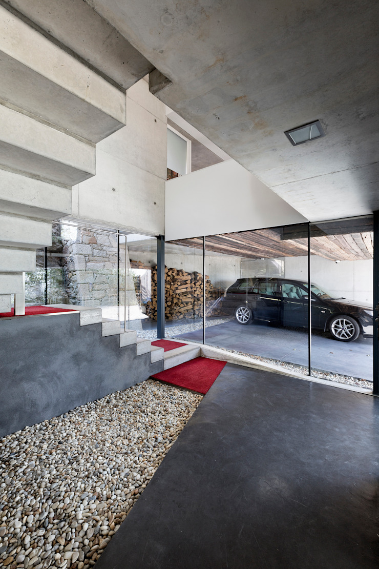 dezanove house designed by iñaki leite - entrance hall Inaki Leite Design Ltd. Murs & Sols modernes