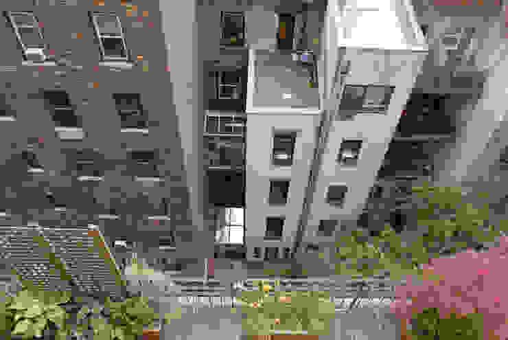 Modern Terrace by dziurdziaprojekt Modern