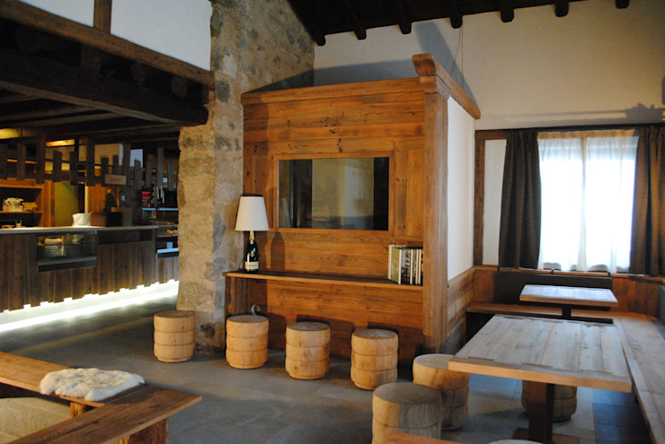ASCANIO ZOCCHI Rustic style bars & clubs