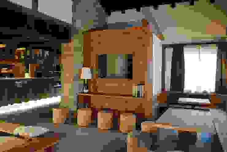 vista entrata sala ASCANIO ZOCCHI Bar & Club in stile rustico