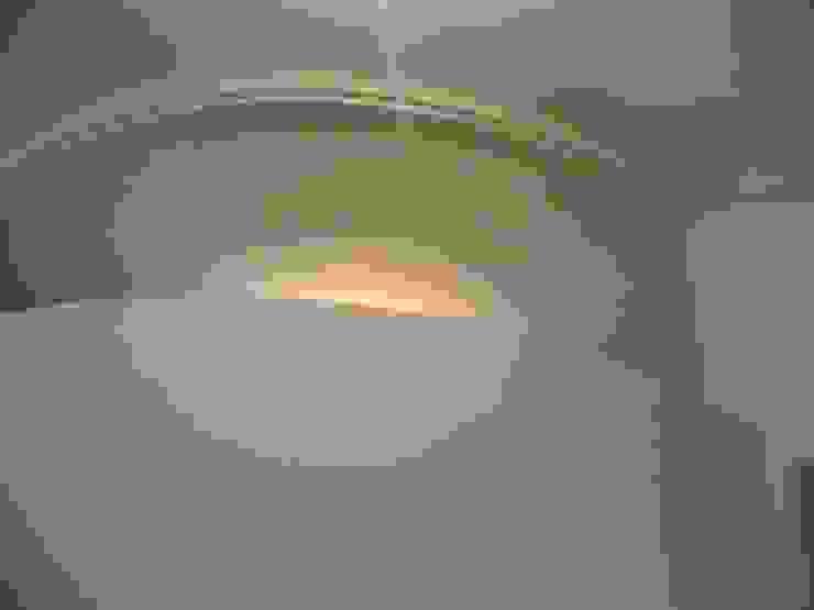 Formazione pareti curve Pareti & Pavimenti in stile moderno di Adragna Ristrutturazioni Srls Moderno