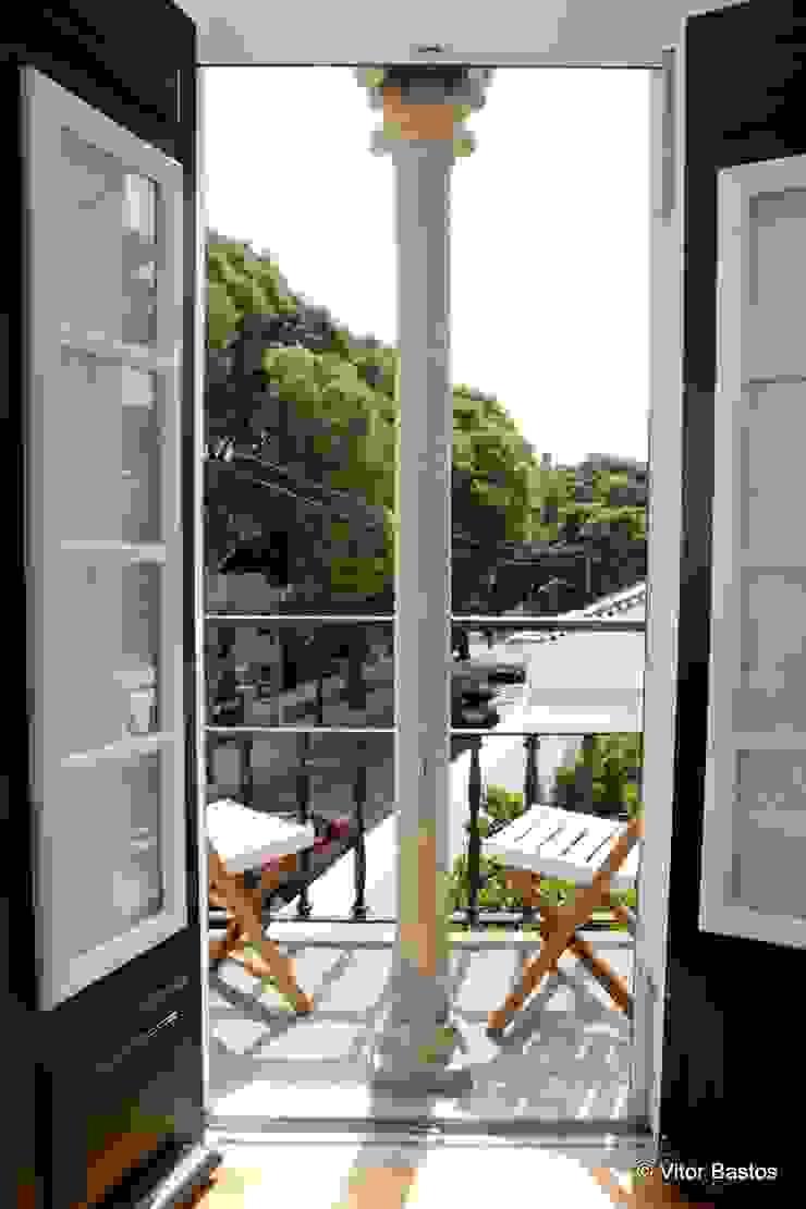 Villa Vasco da Gama | Guest House | Cascais Varandas, marquises e terraços clássicas por shfa Clássico