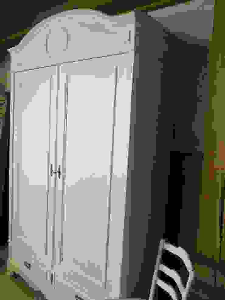 Brocante witte kast, antiek en demontabel van Were Home Rustiek & Brocante