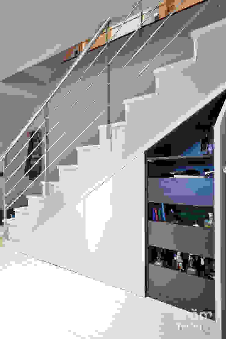 Proyecto Terrassa Dröm Living Pasillos, vestíbulos y escaleras de estilo escandinavo