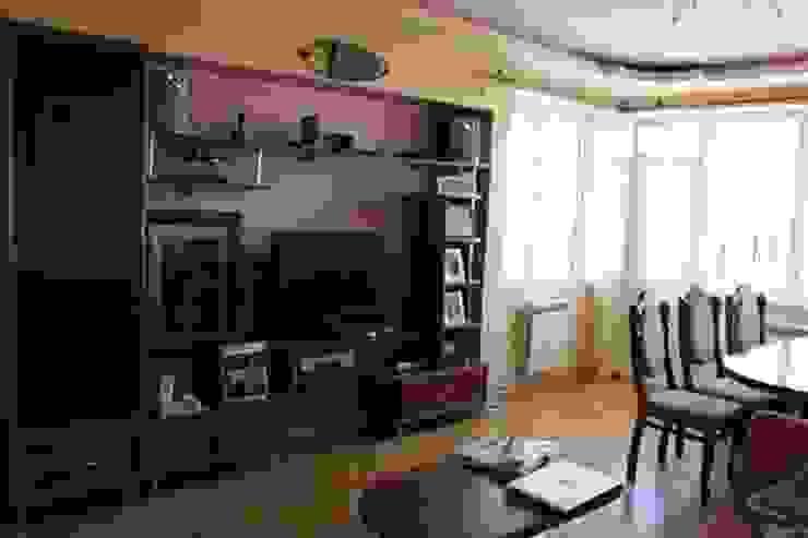 Фото гостиной до ремонта от L'Essenziale Home Designs