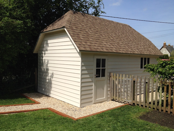 Suffolk Hipped Roof Garage homify Garajes prefabricados