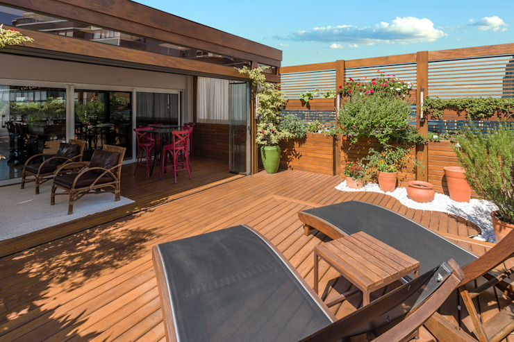 Plena Madeiras Nobres Modern style balcony, porch & terrace