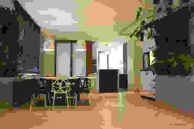 modułowy ogród wertykalny - indoor: styl , w kategorii Jadalnia zaprojektowany przez rstudio,Nowoczesny