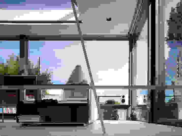 Salones de estilo moderno de MRP ARCHITETTURE SRL Moderno