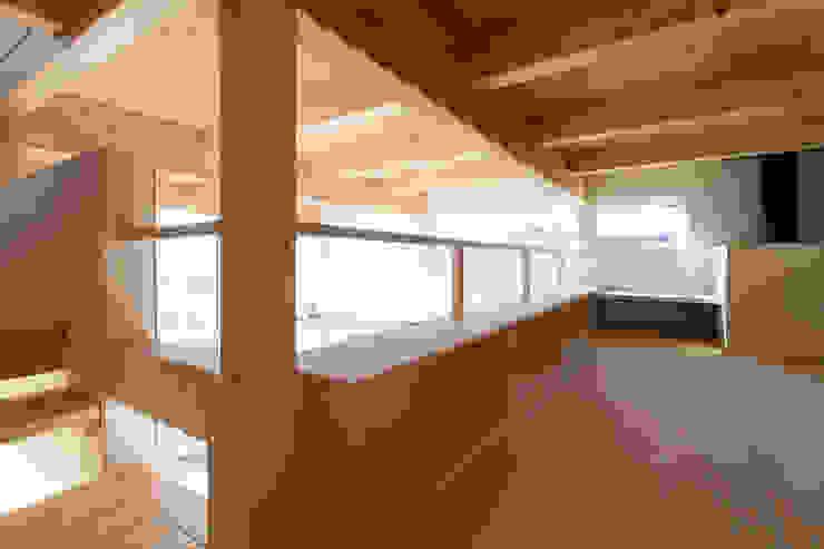 ロフトスペース モダンデザインの 多目的室 の 一級建築士事務所 Atelier Casa モダン