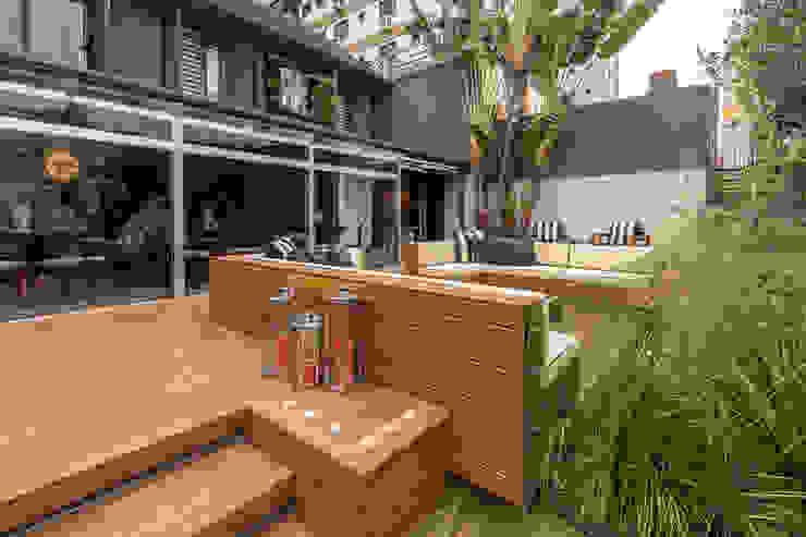 Plena Madeiras Nobres Balcones y terrazas modernos