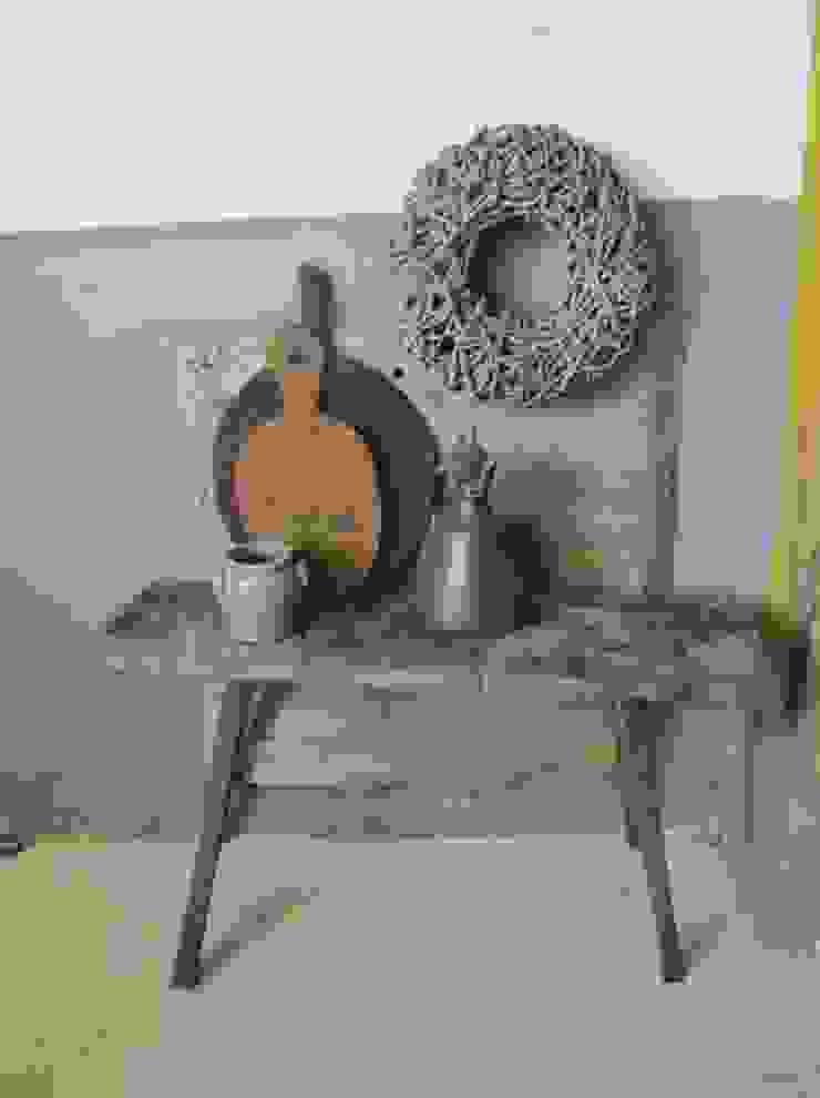 Oude stoere sidetable van hout van Were Home Rustiek & Brocante