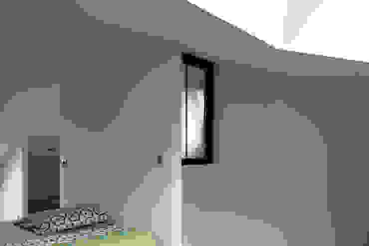 MAISON EYS Chambre moderne par BIENSÜR Architecture Moderne