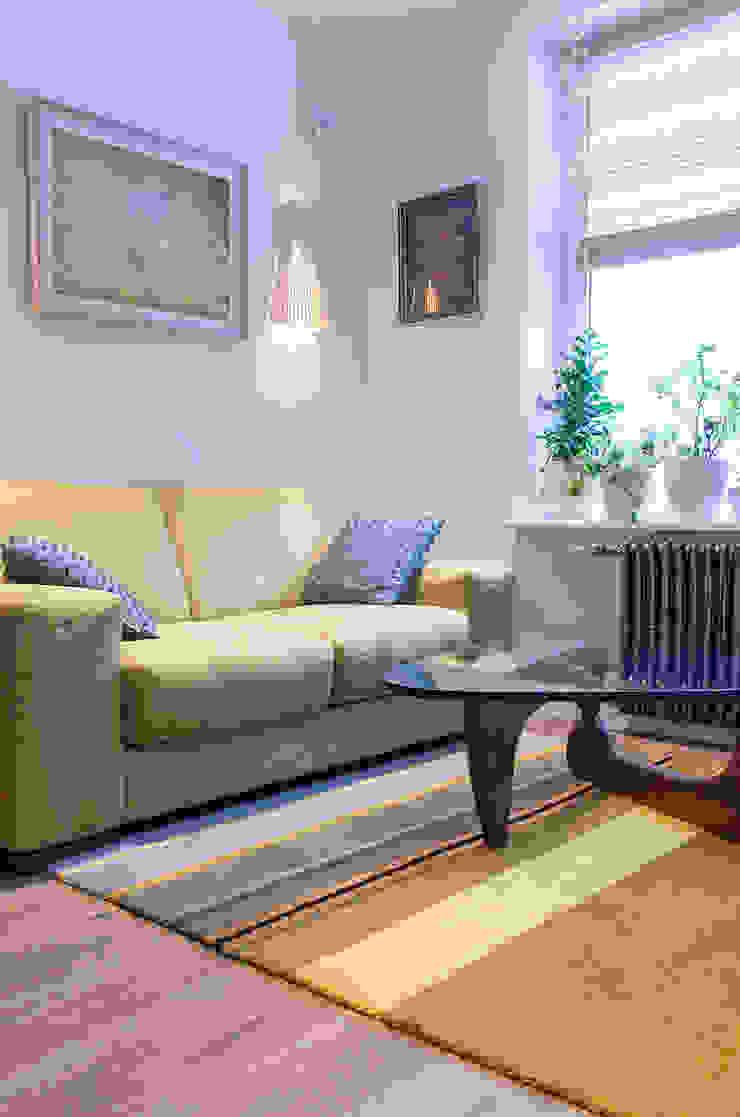 Квартира в ЖК Новая Скандинавия Гостиная в скандинавском стиле от projectorstudio Скандинавский