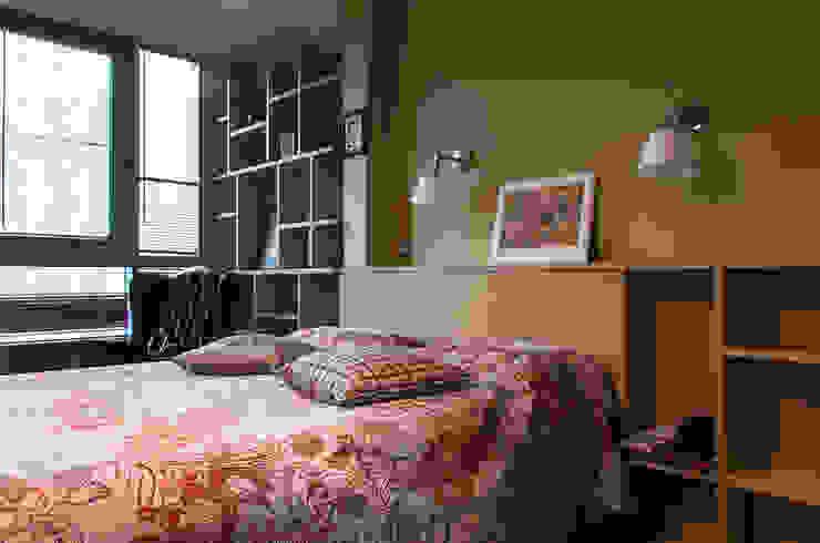 Квартира в ЖК Новая Скандинавия Спальня в эклектичном стиле от projectorstudio Эклектичный