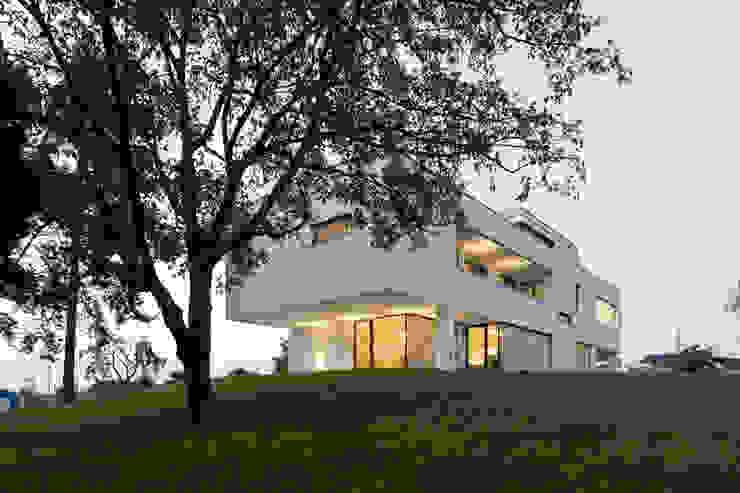 Büro- & Wohnhaus MAMK Moderne Häuser von Architekt DI Anton Mayerhofer ZT GmbH Modern