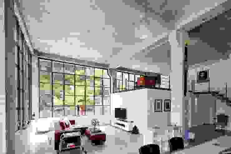 Livings de estilo  por Hauser - Architektur , Industrial