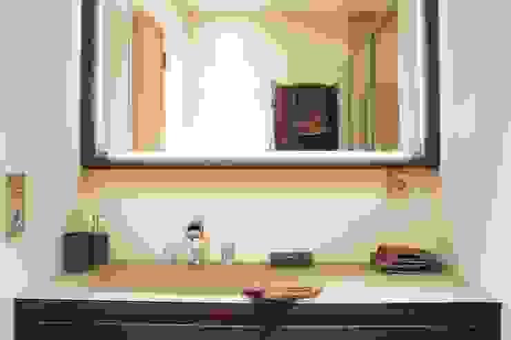 PARIS 8 65m² Salle de bain moderne par blackStones Moderne