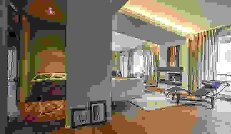 Salas de estilo moderno de cristina zanni designer Moderno