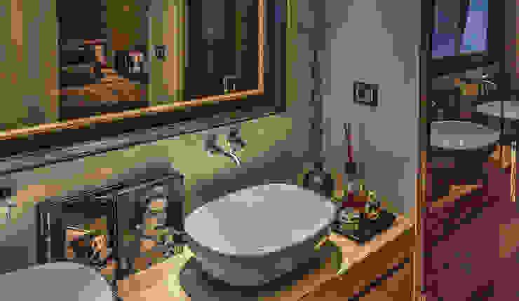 Baños de estilo moderno de cristina zanni designer Moderno