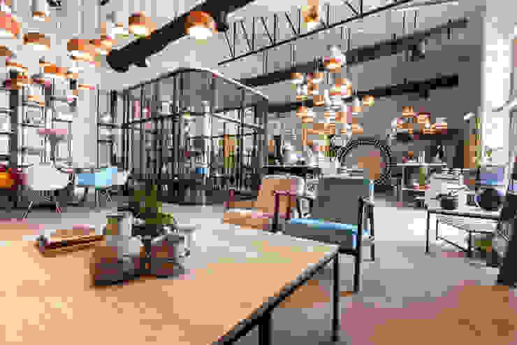 Moz - florist, Dubaï Ruang Komersial Gaya Industrial Oleh Dominique Herbillon & Edouard Augustin Industrial