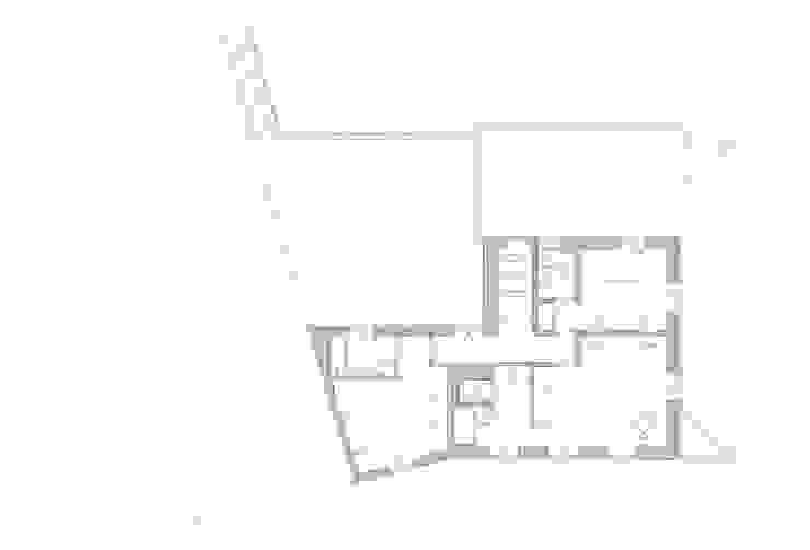 Casa em Lavra, Matosinhos por ASVS Arquitectos Associados Minimalista
