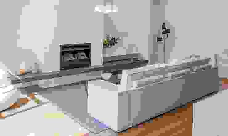 Flatweaves ~ Chevron installed in Melbourne, Australia Modern living room by Cavalcanti Modern
