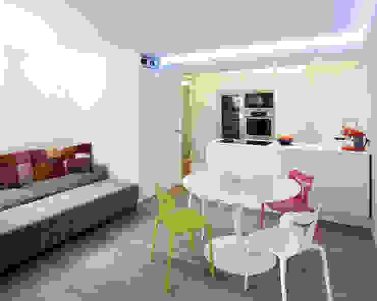 PARIS 17 70m² Salle à manger moderne par blackStones Moderne