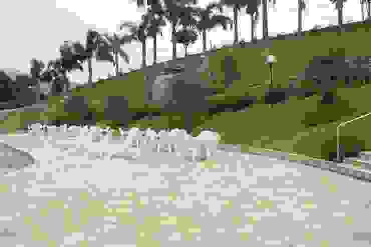 São Tomé Irregular Hotéis rústicos por DECOR PEDRAS PISOS E REVESTIMENTOS Rústico