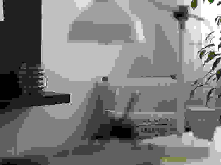 Escritório Preto no Branco - Depois Escritórios escandinavos por MUDA Home Design Escandinavo