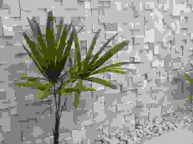 Jardines de estilo moderno de DECOR PEDRAS PISOS E REVESTIMENTOS Moderno