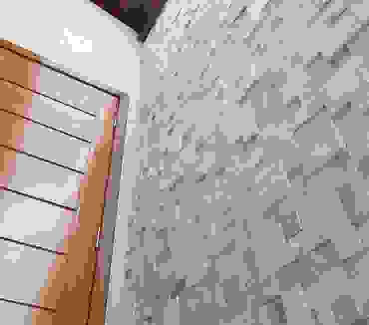 Mosaico São Tomé Branco Grande Corredores, halls e escadas modernos por DECOR PEDRAS PISOS E REVESTIMENTOS Moderno