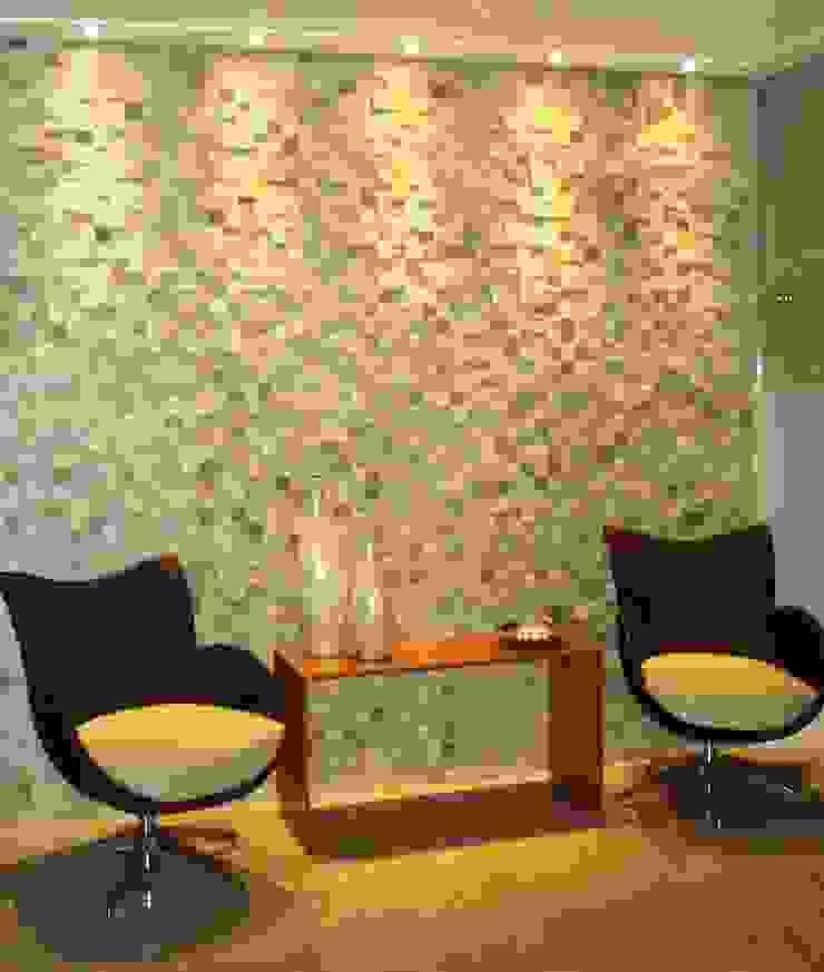 Mosaico de São Tomé Branco Salas de estar modernas por DECOR PEDRAS PISOS E REVESTIMENTOS Moderno