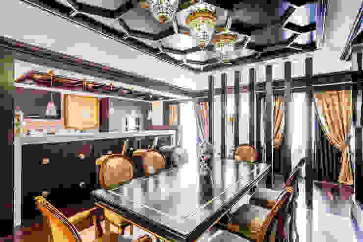 Интерьер загородного дома в стиле Эклектика Belimov-Gushchin Andrey Столовая комната в эклектичном стиле